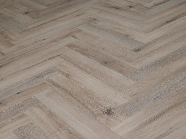 Pvc Vloer Visgraatmotief : Ambiant spigato visgraat warm brown pvc vloeren