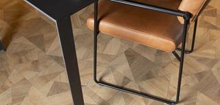 PVC vloeren zijn er in vele uitvoeringen zoals stroken, tegels, visgraat en designvloeren.
